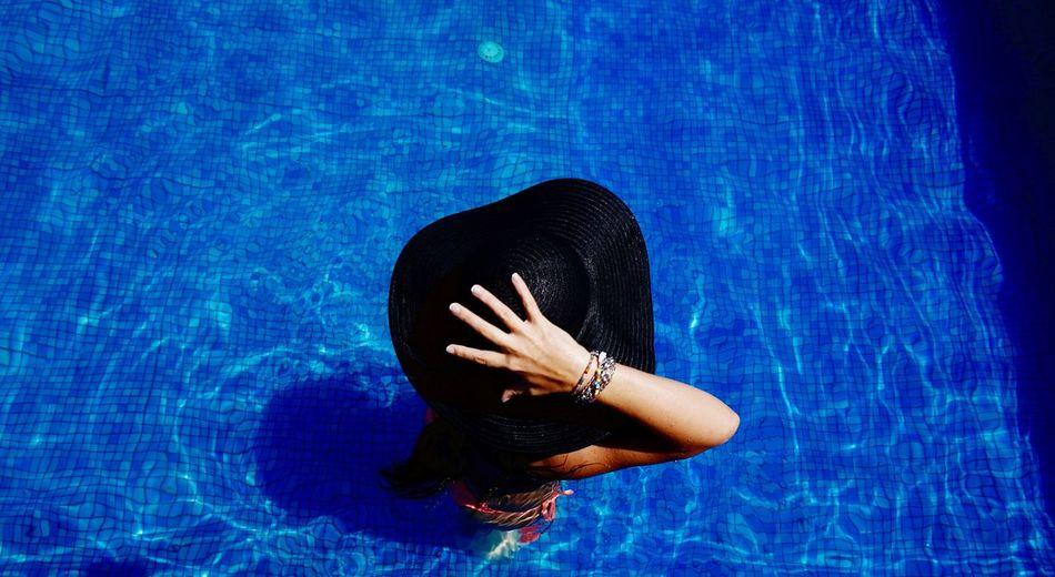 🌞 Holiday Relaxing Pool Summer ☀ EyeEm Best Shots Eye4photography  Benimkadrajim EyeEmBestPics Enjoying The Sun Holiday POV