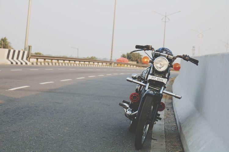 YAMAHA RX 100 Yamaha Yamaha Rx100 Rx100 Highway EyeEm Selects Transportation No People The Way Forward Outdoors Motorcycle Road