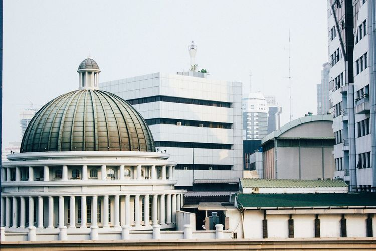 monumen EyeEmNewHere EyeEm Editorial  City Politics And Government Dome Modern Business Finance And Industry Cityscape Architecture Building Exterior Built Structure Office Building Tower Communications Tower The Street Photographer - 2018 EyeEm Awards The Architect - 2018 EyeEm Awards The Photojournalist - 2018 EyeEm Awards