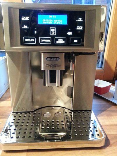 Der neueste Grund für meine schlaflosen. Nächte ^_^ Kaffeevollautomat Delonghi Kaffee Nacht