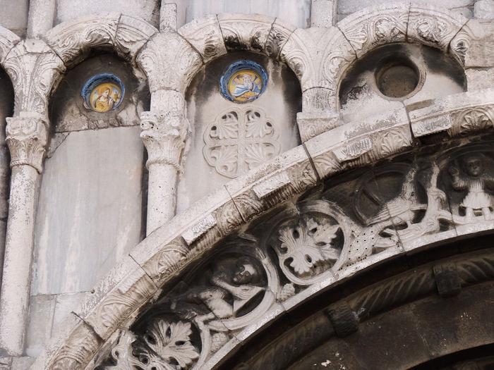 Facade details, Church Santa Maria Della Piazza, Ancona, Italy Ancona Architecture Art Church Facedepet Italy Le Marché Marbre Medieval Medieval Art Middle Age Romanesque Romanesque Sculpture Sculpture