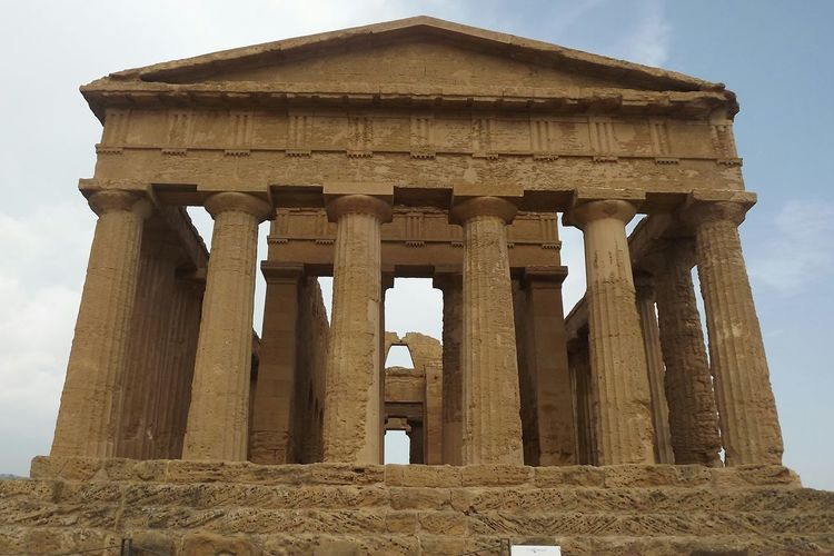 Agrigento Agrigente Temple History Architecture Architectural Column Old Ruin Ancient Civilization Travel Destinations Archaeology No People Italia Bella Italia Beauty Of Italy Italy Ancient Sicilia Sicily The Architect - 2017 EyeEm Awards Neighborhood Map
