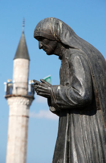 statue of mother theresa in struga macedonia Lake Ohrid Macedonia Teresa Architecture Art And Craft Building Exterior Built Structure Close-up Day History Human Representation Mosque Mother Teresa Mother Theresa No People Ohrid Outdoors Sculpture Sky Statue Struggle