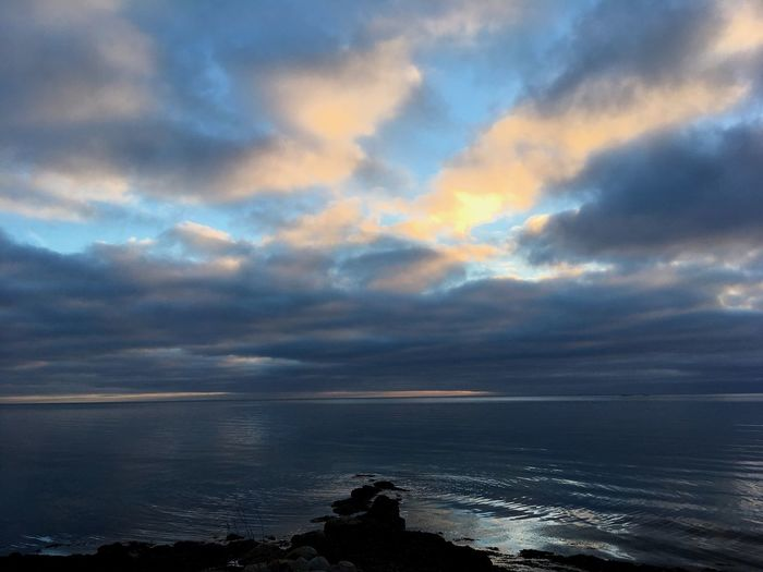 Out into the blue. 💙🌊☁️ Tadaa Community Tadaa Sea Beauty In Nature Cloud - Sky Sky Water Nature Scenics Outdoors No People Tranquil Scene Horizon Over Water Beach Sunset Tranquility Day IPhone SE