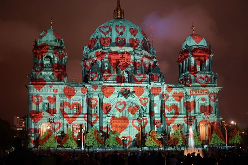 Love is in the air at Festival Of Lights 2015
