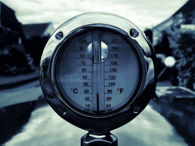 30 Grad Termometer Instrument Of Measurement Number Meter - Instrument Of Measurement Gauge Close-up No People Focus On Foreground Technology