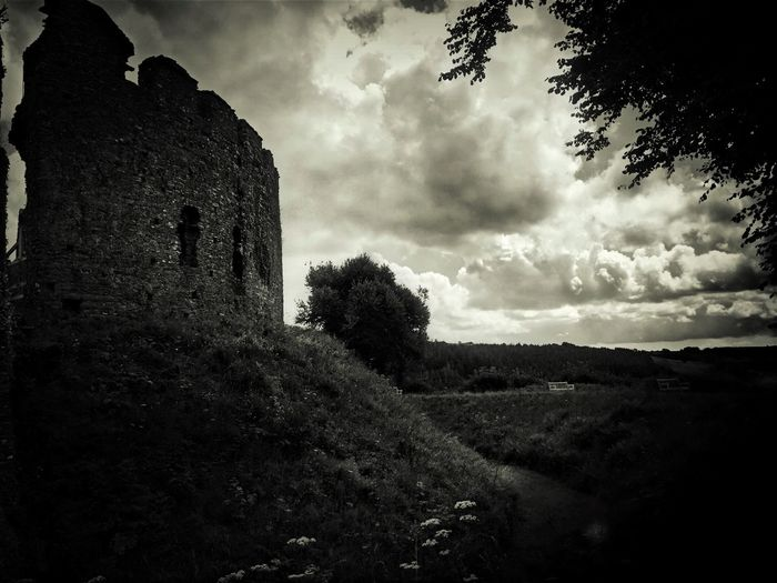 Black & White Tadaa Community IPhone Photography IPhoneography Blackandwhite Wandering Sky Castle Restormel Castle Light-Play