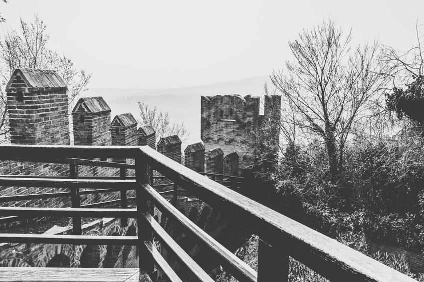 Railing Outdoors Sky City Architecture Day No People Skyscraper Cityscape Tranquility Tranquil Scene Sun Landscape_photography Landscape_Collection Landscape Monochrome EyeEm Gallery EyeEm Best Shots Castle View  Castle Walls Adapted To The City