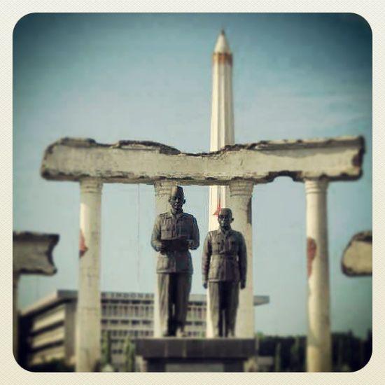 Herocity Surabaya Tugupahlawan Monumen