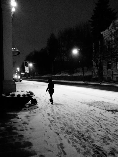 the girl with the dog Pictureoftheday B/w Daily B/w Diary EyeEm Best Shots EyeEm Best Shots - Black + White Blackandwhite Monochrome Streetphoto_bw Night Photography EE_Daily: Black And White