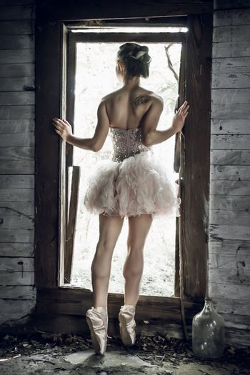 Abandoned Abandoned House Model Modeling Photoshoot Beautiful Ballerina