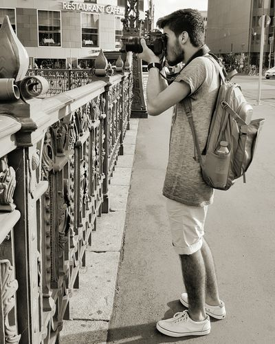 😏 Me, My Camera And I Black Blackandwhite Photography Black And White Black Color Canon Canon 70d 🎈👻