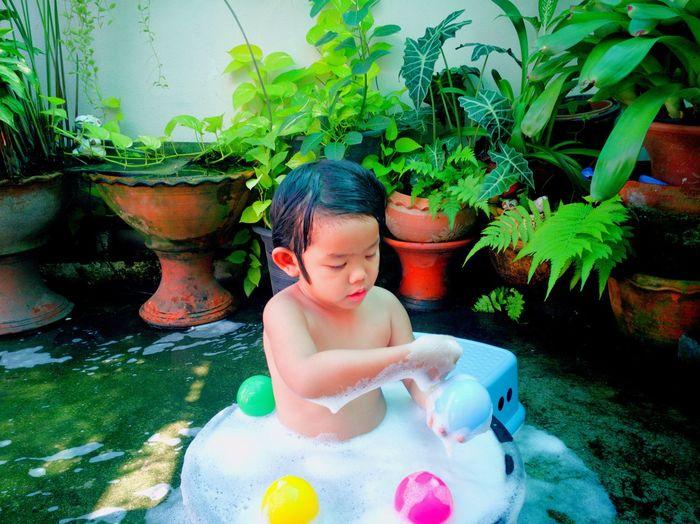 สปาย Water Child Swimming Pool Childhood Swimming Spraying Smiling Summer Wet Shirtless