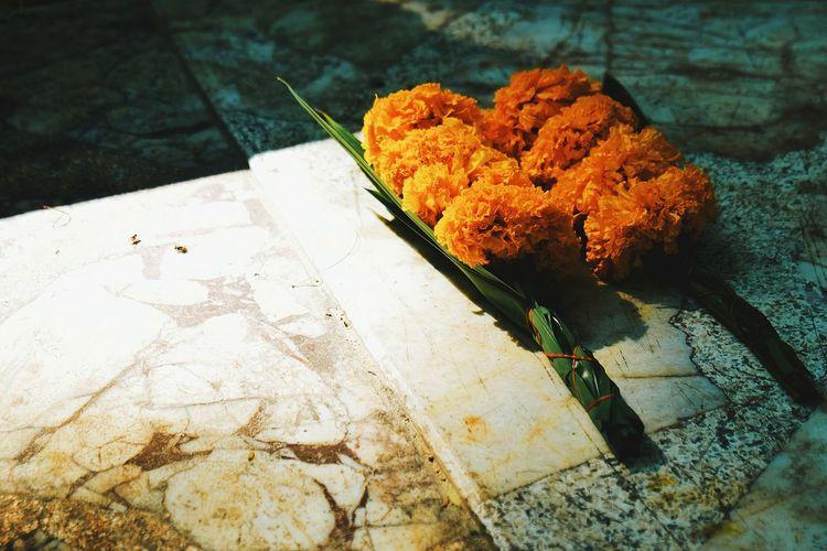 Offering Offerings Offering To God Offerings To The Gods Offering Flowers Sacrifice Sacrifices Oblation Boquet Marigold Marigolds Marigold Flower Marigold Flowers Thailandculture Kaoyai