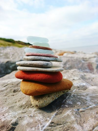 3XSPUnity Small Stones In A Big Stone World Flat Stones Small Stones Stone Pile Stone Pyramid Big Rock Little Rock Boulders Beach Beach Photography Check This Out Taking Photos Relaxing Enjoying Life Taking Photos Close-up Hills Stone Sea Sea Colour Of Life My Year My View