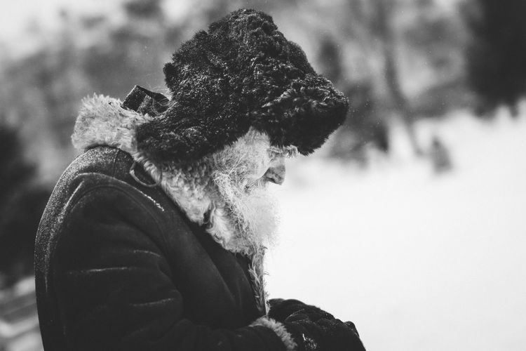 Streets of Siberia - Old Man Aged Beauty Beautiful Black & White Coffee Colors Faces Of EyeEm Frozen Fur Fur Cap Lonely Man Old Sand Siberia Snow Warm Clothing Weak Winter The Street Photographer - 2016 EyeEm Awards