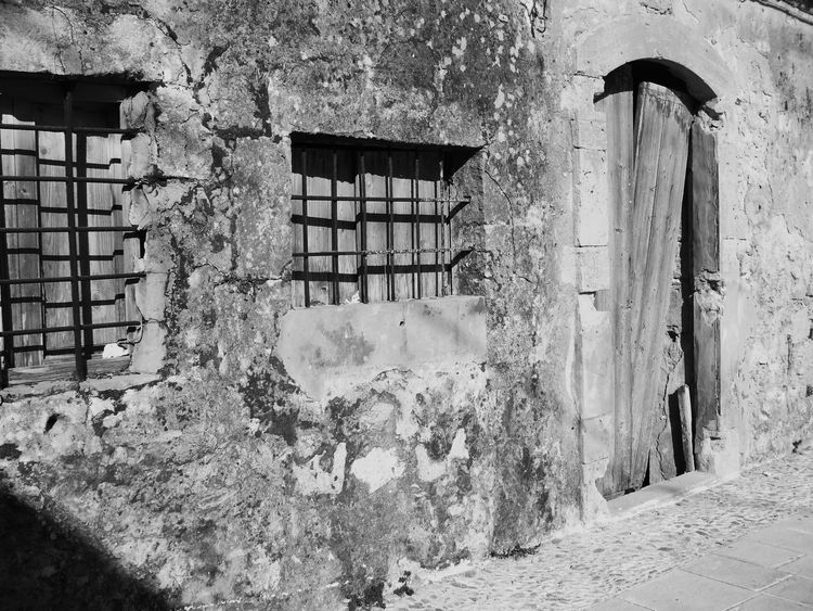Italy Italia Artistic Black And White Blackandwhite Doors Old Buildings Old Sicily Sicilia Run-down Bianco E Nero Biancoenero Novecento Marzamemi Pachino VecchieFoto Vecchitempi  Window Vecchieporte Porta Vecchio 1900 Paesino Paese