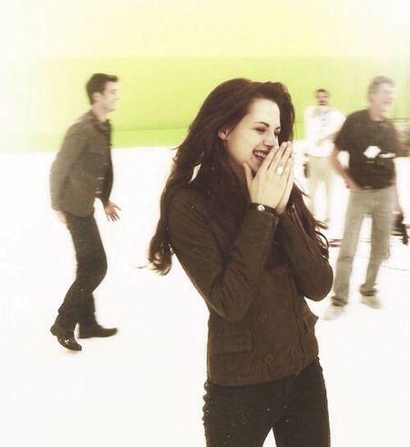 Bella Cullen😻😻😻😻😻😱😱😱😱😱😱😱 Robsten Edward Cullen Bella Swan Kristen Stewart Robert Pattinson Twilight Love