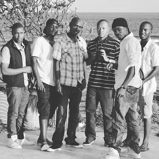 We tell our family n friendship ties with a pic session. We don't have to know everyone by name, but we friends, we family. It runs in us....it's just what we are. Africantothebone we represent humanity to it's fullest extent. Shine on my hommies. Will be missing you soon guys. Mamanginabeach Mombasa Chanzera Collins  Gabu Davis Michaels