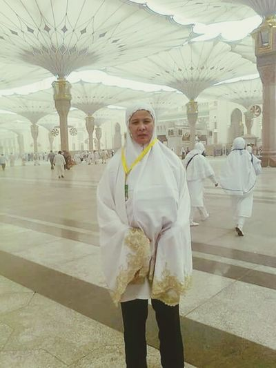Shocked to heard about what happened in Mecca, keep healthy, be a hajjah mabruroh mama. Keep each other in our du'a . all best wishes for ya, have a great experience of religion from visited Mecca twice maa. Tasikmalaya Pray For Mekkah Al Mukaramah 🙇
