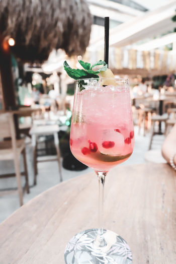 Enjoy life Food And Drink Glass Drink Table Drinking Glass Freshness Refreshment Close-up Mint Leaf - Culinary Mocktail Mocktail Love Photo Photography Picture Hanging Out Focus On Foreground Relaxing Enjoying Life Restaurant Bar