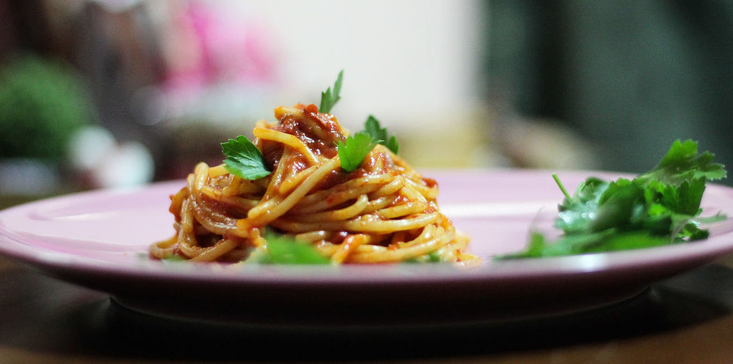 Spaghetti Dish Spagetty Images Close-up Indoors  Ready-to-eat Selective Focus Wellbeing No People Focus On Foreground Healthy Eating Serving Size Still Life Indulgence Italian Food Table Nature