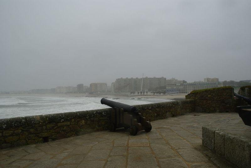 Prala do Castelo do Queijo - GUN on the Fortress Fortress Gun Porto Portugal Prala Do Castelo Do Queijo Rainy Weather Sight Stormy Sea