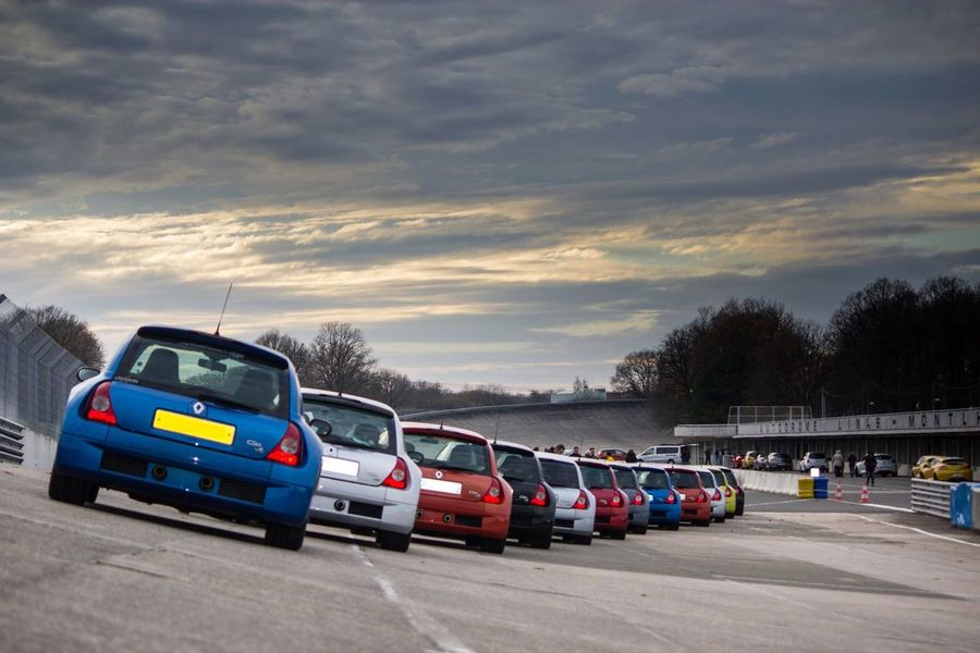 Autodrome Car Clio V6 Cloud - Sky Day Mode Of Transport Monthlery No People Outdoors Sky Traffic Transportation