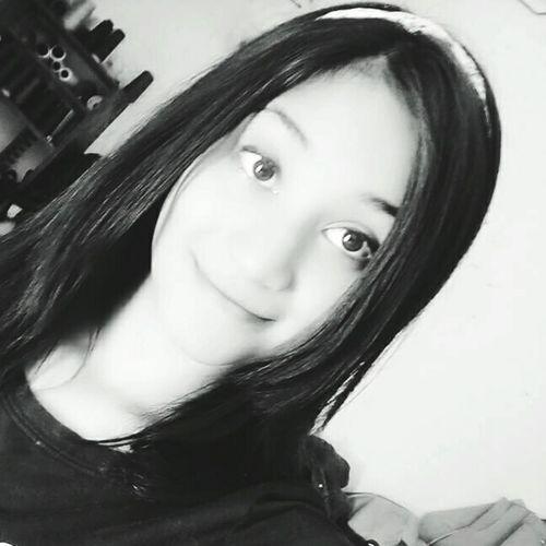 sad story 🎶🎧❤ Young Women Portrait Looking At Camera Beauty Headshot Human Face Long Hair Close-up