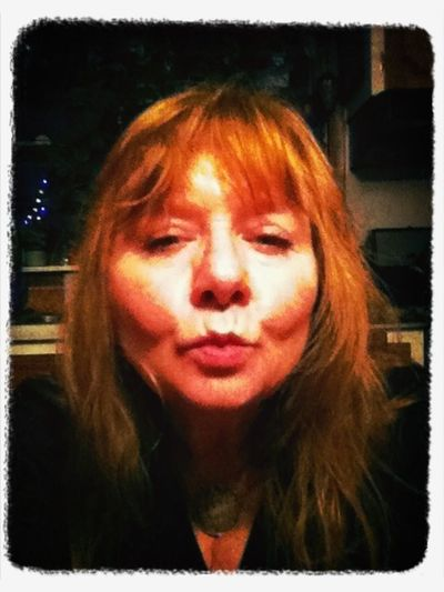 Selfie Kiss Red Ginger