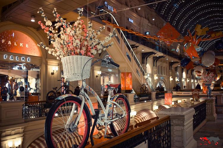 Springtime Spring весна велосипед Moscow Москва архитектура Red Square ГУМ сакура Bar - Drink Establishment Bicycle Store