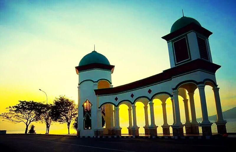 Pintu gerbang masjid raya ternate Hello World Ternate Ternate Island, Molucca
