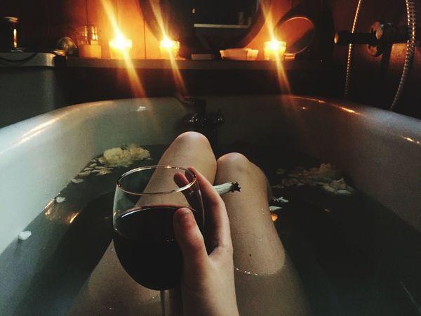 Drink şarap Cigarette  Elements Fresh Life Women EyeEm Black No People Night Day Lonly Pictureoftheday