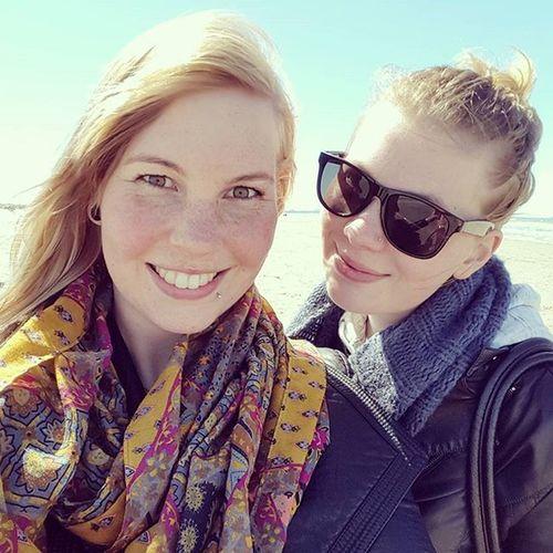 Zuske Zusje Sister Beach Zon Sun Strandwandeling Strand Family Familie Zusjes Zusterliefde ❤ Sis