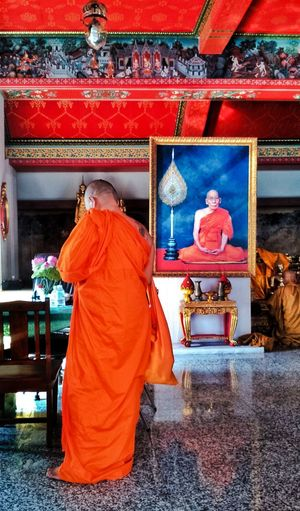 Travel Destinations Spirituality Monks In Temple Temple Cellphone Photography