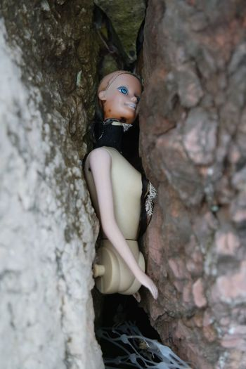 Blue Eyes Doll Lost Toy Network Objects Found Rock - Object Rock Climbing Siren