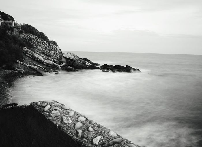 Long Exposure Black And White Sea Mare Waves Onde Relaxing Walking Around Quiet Moments