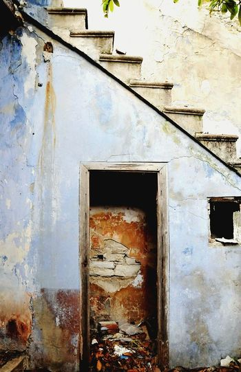 Architecture No People Damaged Outdoors Rusty Photoshoot Photography Village Stairs Lefkara Blue Ilovephotography Weathered Built Structure Day Building Exterior Close-up