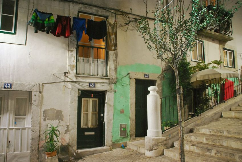 Lisboa Portugal Streetphotography House Residential Structure Entrance No People City Life Laundry Window Low Angle View Residential Building Lissabon, Fresh On Eyeem  The Traveler - 2018 EyeEm Awards