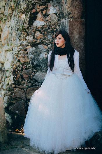 Janarobergefotografia Noiva Bride Princesa Princess Beautiful Beleza Castle Castelo Ensaioexterno Wedding Dress Noivos