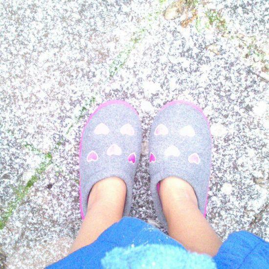 Der Status um 16 Uhr. #snow #schnee #slippers #pink #hearts #blue #bathrobe #winter #instagood #statigram Blue Pink Snow Schnee Slippers Instagood Statigram Bathrobe Hearts Winter