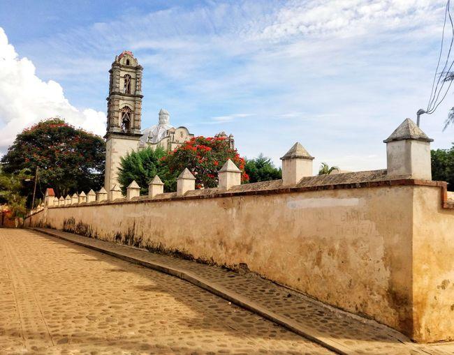 Malinalco Pueblo Mágico. Barda Church History Place Of Worship Religion Building Exterior