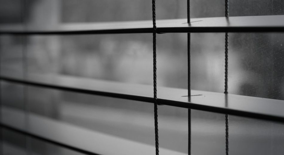 -Diner Blinds- Architecture Backgrounds Built Structure Close-up Day Focus On Foreground Full Frame Glass - Material Indoors  Metal Metal Grate Metallic Pattern Protection Railing Reflection Safety Selective Focus Wall - Building Feature Window