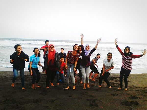 yeeeyyy!!!! :D Capturing Freedom After Graduation ♥ Feeling Free Relaxing Time Happy Smile :) Enjoying Life Great Time Together BEACH!  MyhighschoolLife