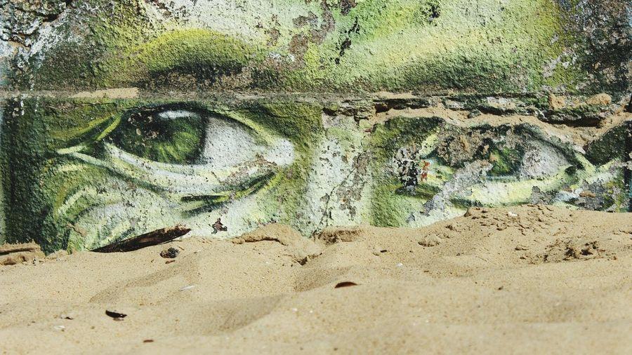 Graffiti Graffiti Art Graffiti Wall Graffiti & Streetart Graffiti On The Beach Beach Sand Eyes Graffiti Eyes Green Eyes Green Color