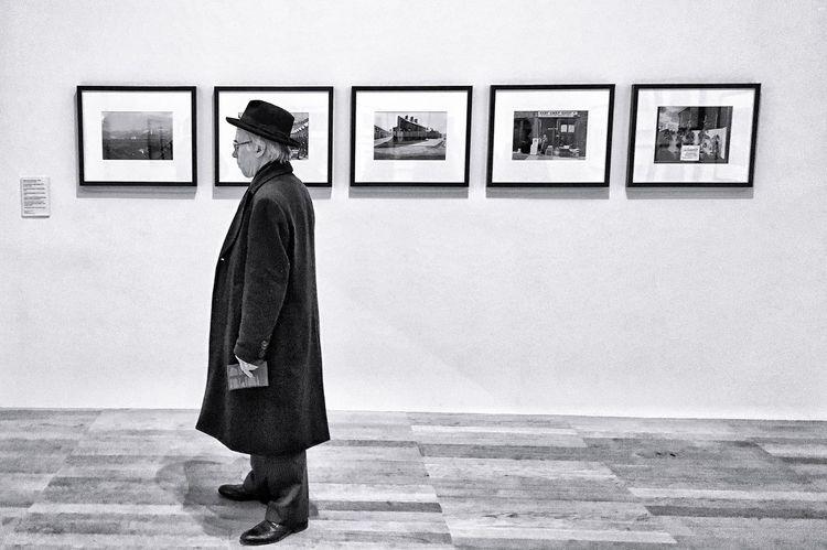 Frame. Art Museum TateModern ArtWork Man Frame Standing Full Length Indoors  Bnw Blackandwhite Hat Museum Visit Human Representation The Week On EyeEm Postcode Postcards