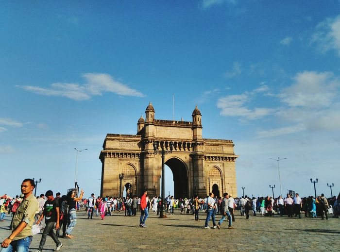 This is the great structure builded by the englishmens so called as GATE WAY OF INDIA .It is situated in mumbai. Mumbai Gatewayofindia Unmeshshirsath Usphotography Bluesky Structures Archetecture First Eyeem Photo