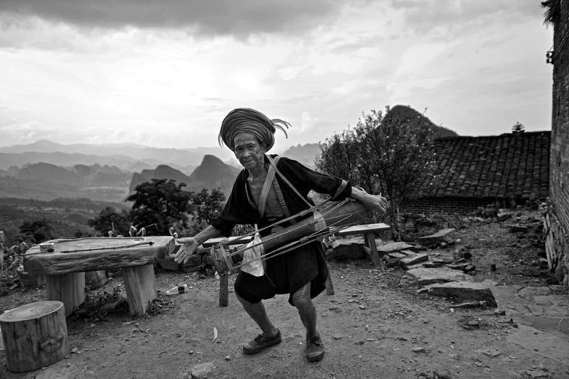 Fok Traditional Culture Tradition Artist Portrait Folk Village Conventional Capture The Moment Blackandwhite Travel Destinations Country Life Streetphotography Black And White One Person One Man Only EyeEm Best Shots Outdoors Man EyeEm Life Street Show Folk Art  Black & White The Street Photographer - 2017 EyeEm Awards The Photojournalist - 2017 EyeEm Awards