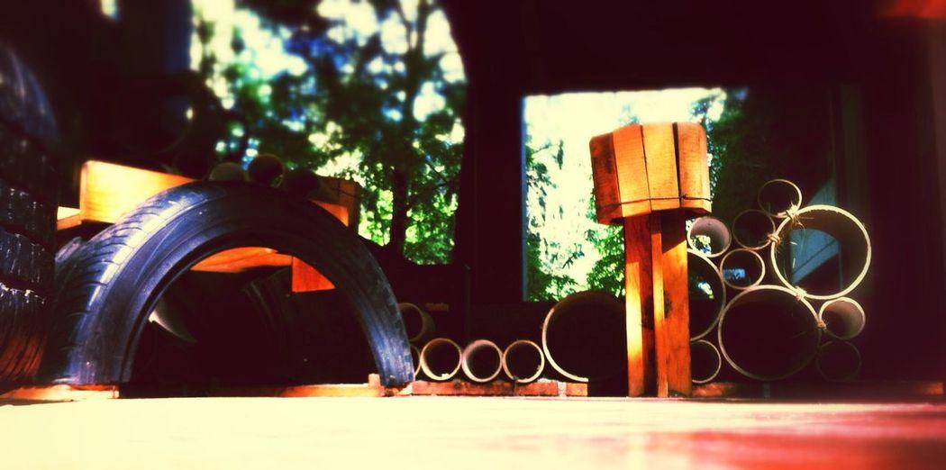 Morning Facultad De Arquitectura/CUAAD UdG CUAAD Recycling! Wood Tired! Cardboard
