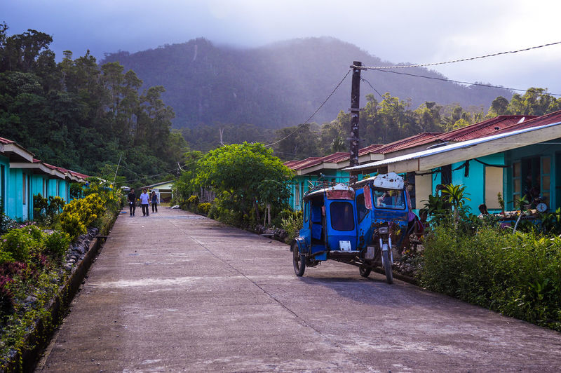Nature Blue Houses Life In The Province Mode Of Transport Mode Of Transportation Mountain Rural Living Small Houses Tricycle Village